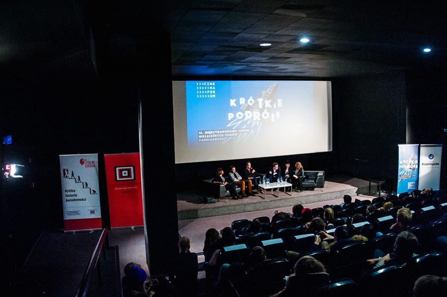 """Short but worth it. Report on """"How to distribute and promote short films?"""" At the Cinemaforum 2016 debate"""